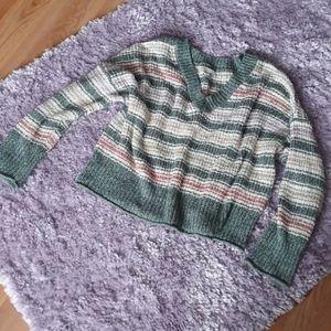 Oversized cropped v neck sweater